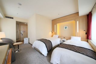 Photo Image of Best Places to Stay In Tokyo On A Budget Double Bed on Shinjuku Washington Hotel Pictures