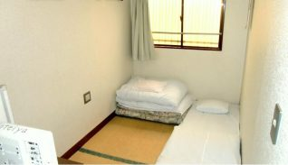 Photo Image of Best Places to Stay In Tokyo On A Budget - Room in Hotel Hoteiya Pictures